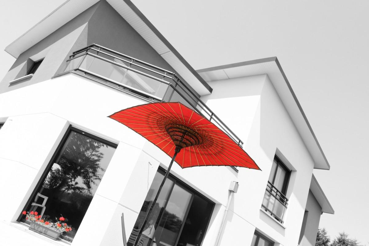MAISON JAPONISANTE  à JULOUVILLE (50) (secteur : GRANVILLE)